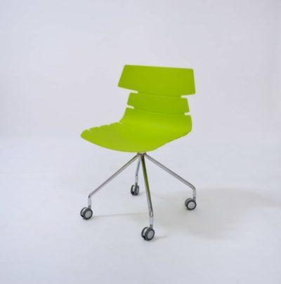 כסא אורח עם גלגלים 2268788