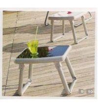 דגם שולחן אלומיניום נמוך עם רגליים מתקפלות בשילוב זכוכית מחוסמת