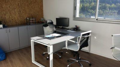 דגם שולחן מנהל למשרד